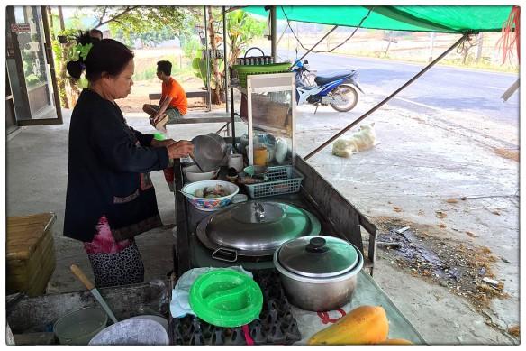 Eetzicht 030416 0834 Thailand, Amphoe Wan Yai versie 2 IMG_6925