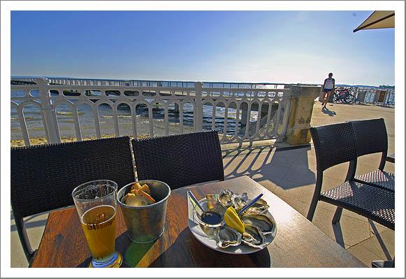Eetzicht 24.06.09.18.59 Andernos (Bassin d'Archachon), Gironde