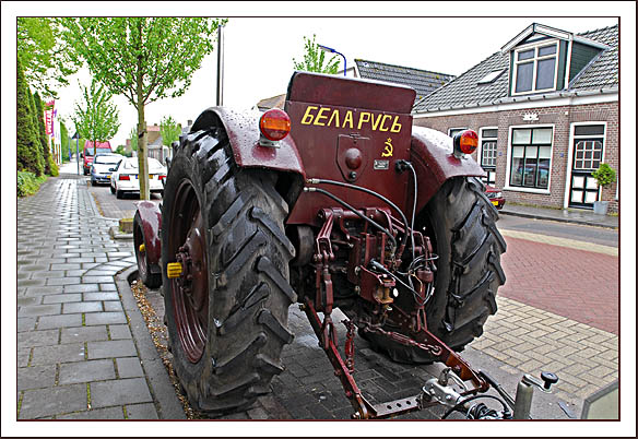russische-tractor-1-web