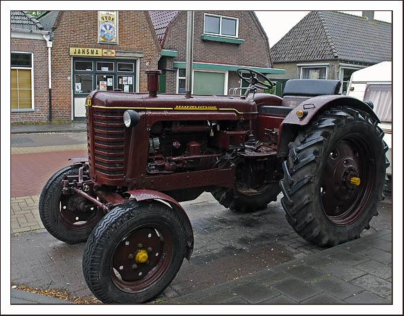russische-tractor-2-web
