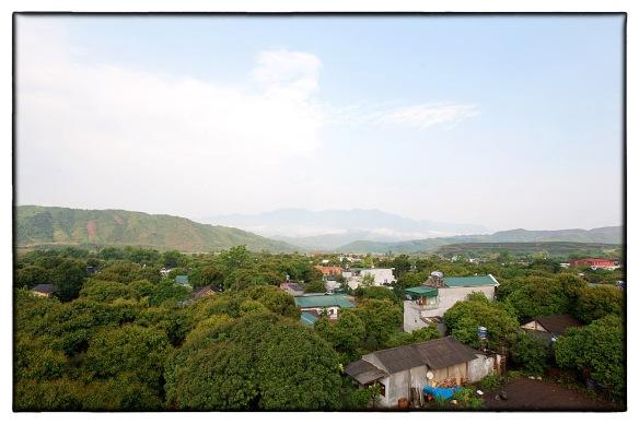 Waakzicht 170413 0723 Vietnam Tan Huyen Nha Ngai Tinh Vanh K104
