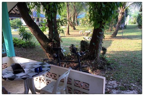 waakzicht-311216-0827-wasana-resort-ban-bang-ben-ranong-bunglaow-7-img_9625