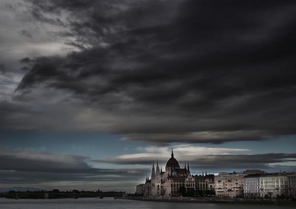 © Mirjam Letsch - Boedapest, parlement en Donau.