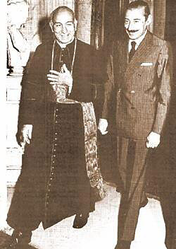 Bergoglio met Videla.
