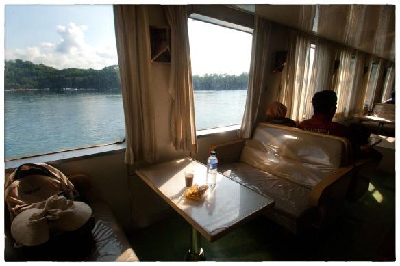 Eetzicht 160315 0853 abv veerboot Bali-Lombok _HDC7281