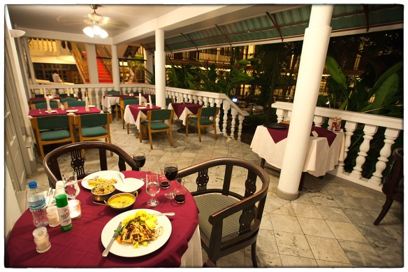 Eetzicht 030615 2010 Langi Langi restaurant Protea Hotel Courtyard Dar es Salaam Tanzania_HDC0529