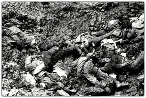 1914-18_03-loopgraaf-ieper