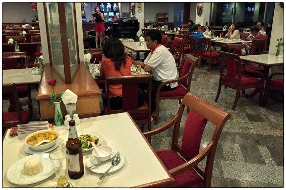 Eetzicht 240316 2126 Charoen Hotel Udon Thani IMG_6676