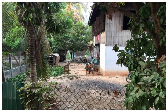Waakzicht 150416 0616 Cambodja, Stung Treng, Gold River Hotel k107 IMG_7251