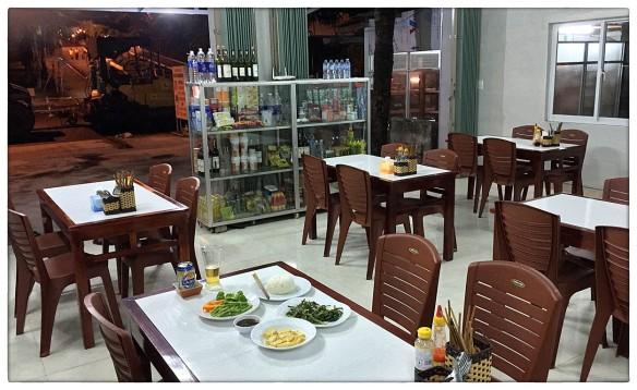 Eetzicht 210516 1924 Restaurant Minh Tam, Lang Co IMG_8411