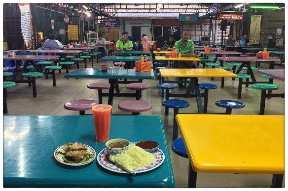 eetzicht-040217-1857-food-court-batu-pahat-malaysia-img_10153